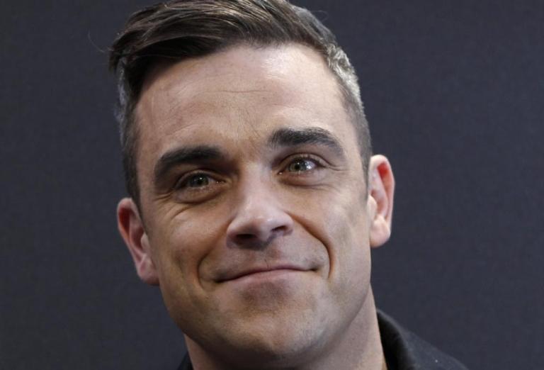 Robbie Williams bude opět swingovat. I s Lily Allen