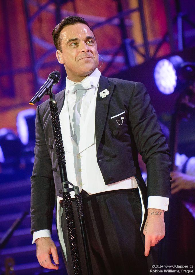 LIVE: Jak se kabaretiér Robbie Williams oženil v Praze