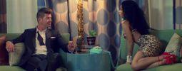 VIDEO: Nicki Minaj znovu vrtí zadkem, pozoruje ji Robin Thicke
