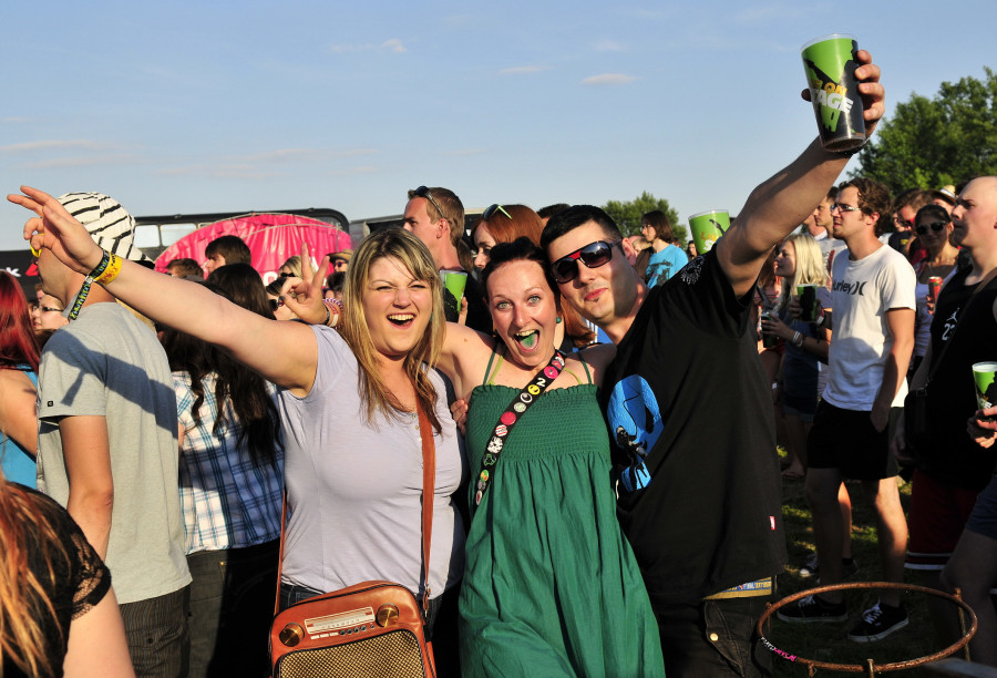 LIVE: Nedočkavci na Rock for People tančili na metal i Olympic