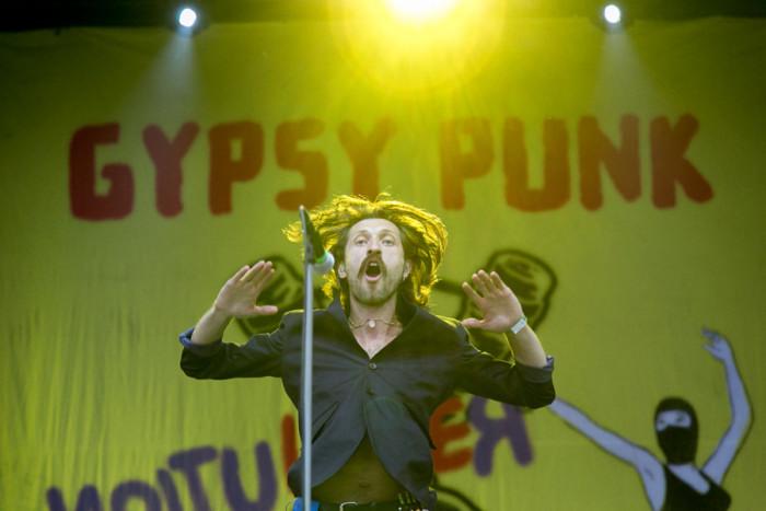 LIVE: Třetí den na Rock for People bouřily mocné circle pity