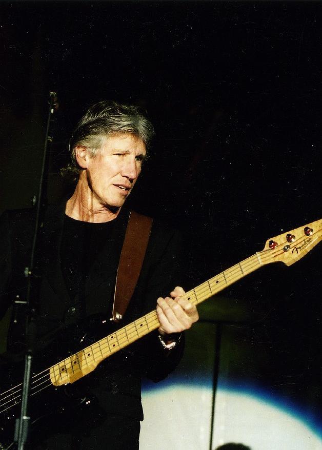 LIVE: Vzpomínka na koncert Rogera Waterse v roce 2002