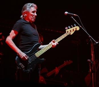 LIVE: Roger Waters obehnal Prahu zdí, ale bylo snadné ji přeskočit