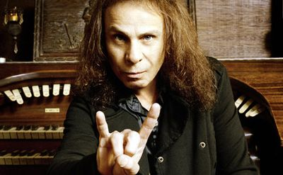 Ronnie James Dio: hold mu vzdají Lemmy, Deep Purple i Foo Fighters