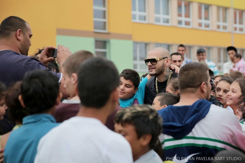 VIDEO: Rytmus je jako doma v romském ghettu i v Pařížské v Praze