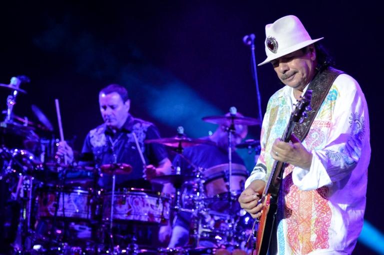 LIVE: Carlos Santana proměnil Prahu v karnevalové město