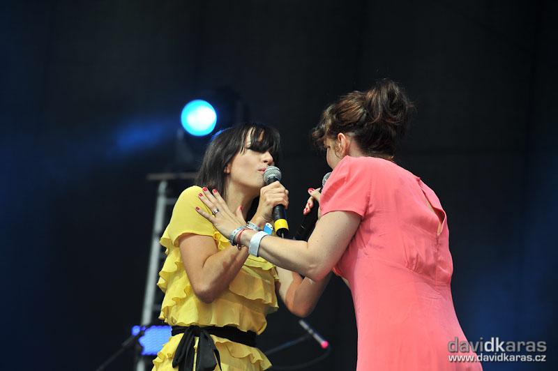 LIVE: Na Sázavafestu se hromadně vzpomínalo na hit Forever Young