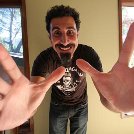 Serj Tankian dokončuje sólovku Harakiri, těšte se v létě