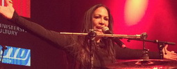 LIVE: Sheila E. Praze ukázala, proč o ni stojí hudební superstars