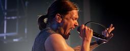 LIVE: Shinedown v Praze - gesto, póza, póza, gesto, póza