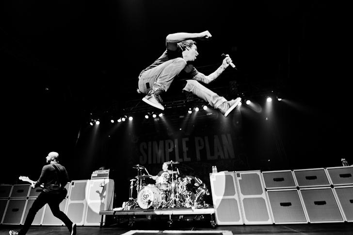 LIVE: Simple Plan si podruhé podmanili české publikum