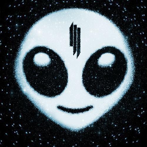 RECENZE: Skrillex na debutu razí cestu dubstepového mainstreamu