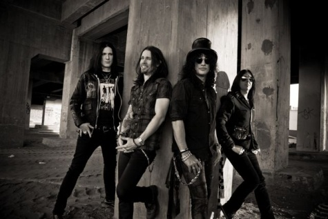 Slash chystá druhou sólovku, z natáčení nabízí záznam