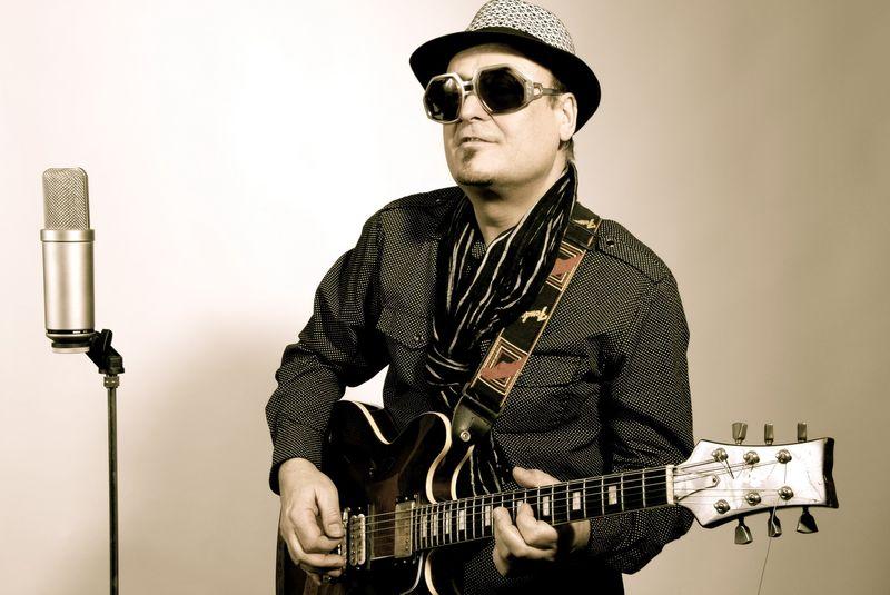Slávek Janda interview: Na kytaru cvičím i v šedesáti