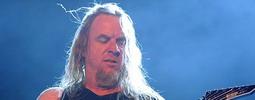Zemřel Jeff Hanneman, zakládající kytarista Slayer. Selhala mu játra