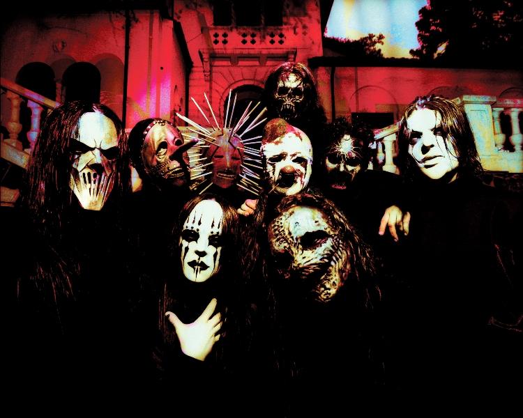 Slipknot na nové bestofce navigují do pekla