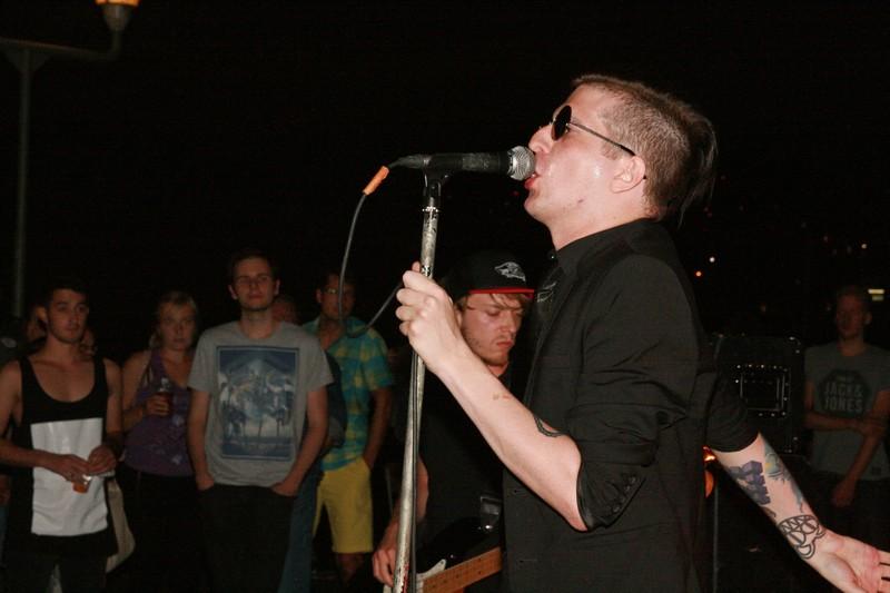 LIVE: Smrtislav na plné Náplavce oživil českou poprockovou tradici