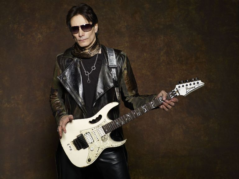 Steve-Vai-Press-Photo LR