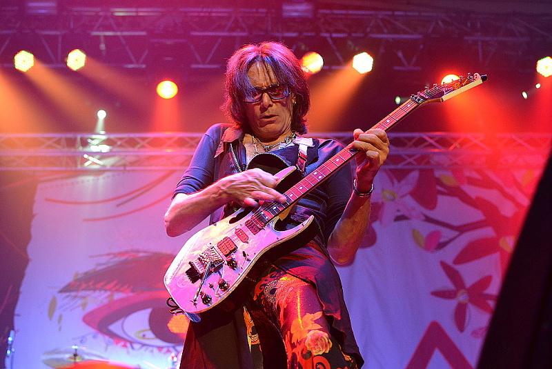 LIVE: Steve Vai demonstroval možnosti elektrické kytary