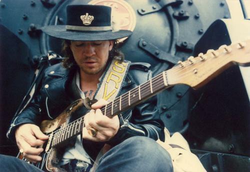 SMRT SI ŘÍKÁ ROCK'N'ROLL: Stevie Ray Vaughan (160.)