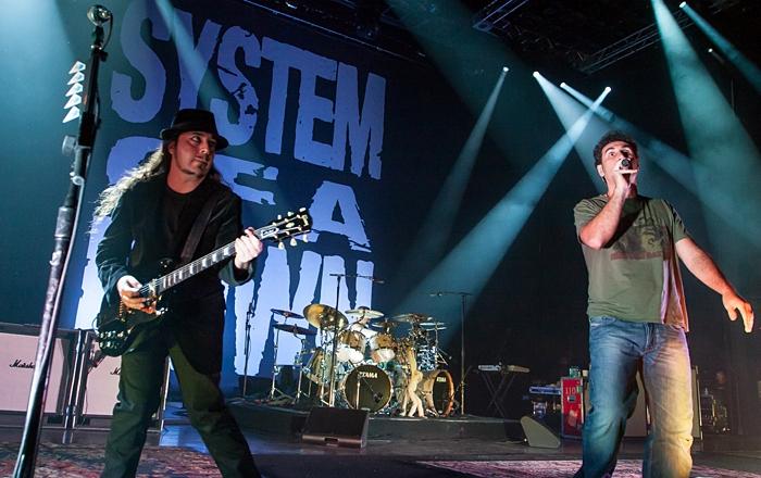 LIVE: System of a Down odehráli klubový koncert pod širým nebem