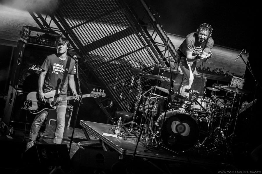LIVE: Tata Bojs zkráceni o lem nohavic, prodlouženi o dva singly