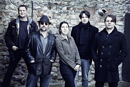 AUDIO: The Soulmates hlásí natočeno, nahráli písně od New Order, The Smiths i Oasis