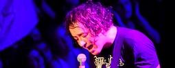 LIVE: The Wombats měli našprtané publikum a dva frontmany