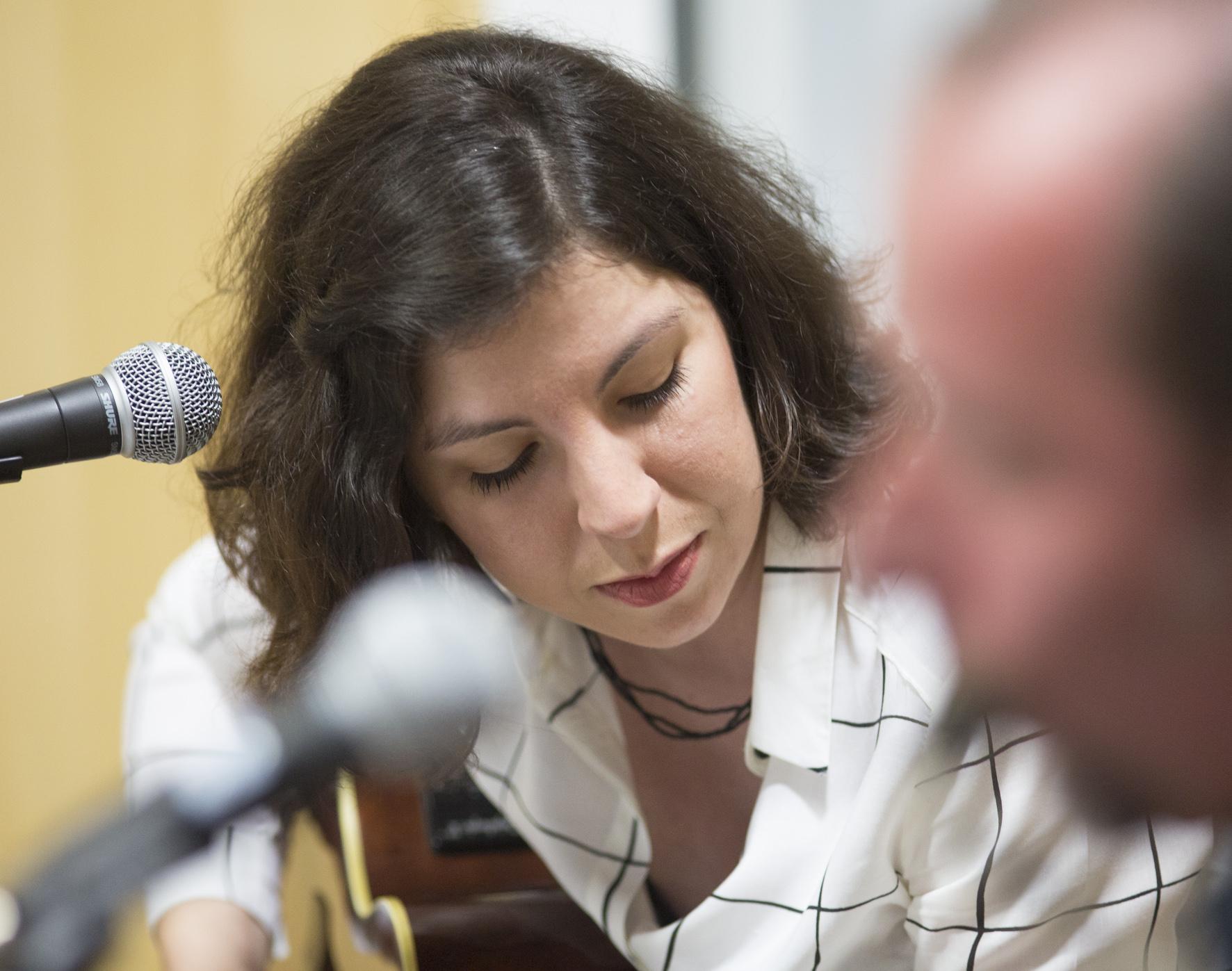 VIDEO: Tichá dohoda si s hostující Zuzanou Vintrovou vystřihla akustický set