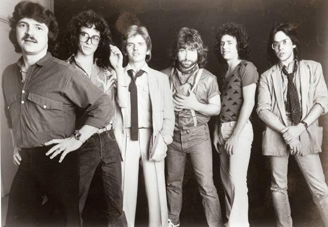 Zemřel Mike Porcaro, basista Toto