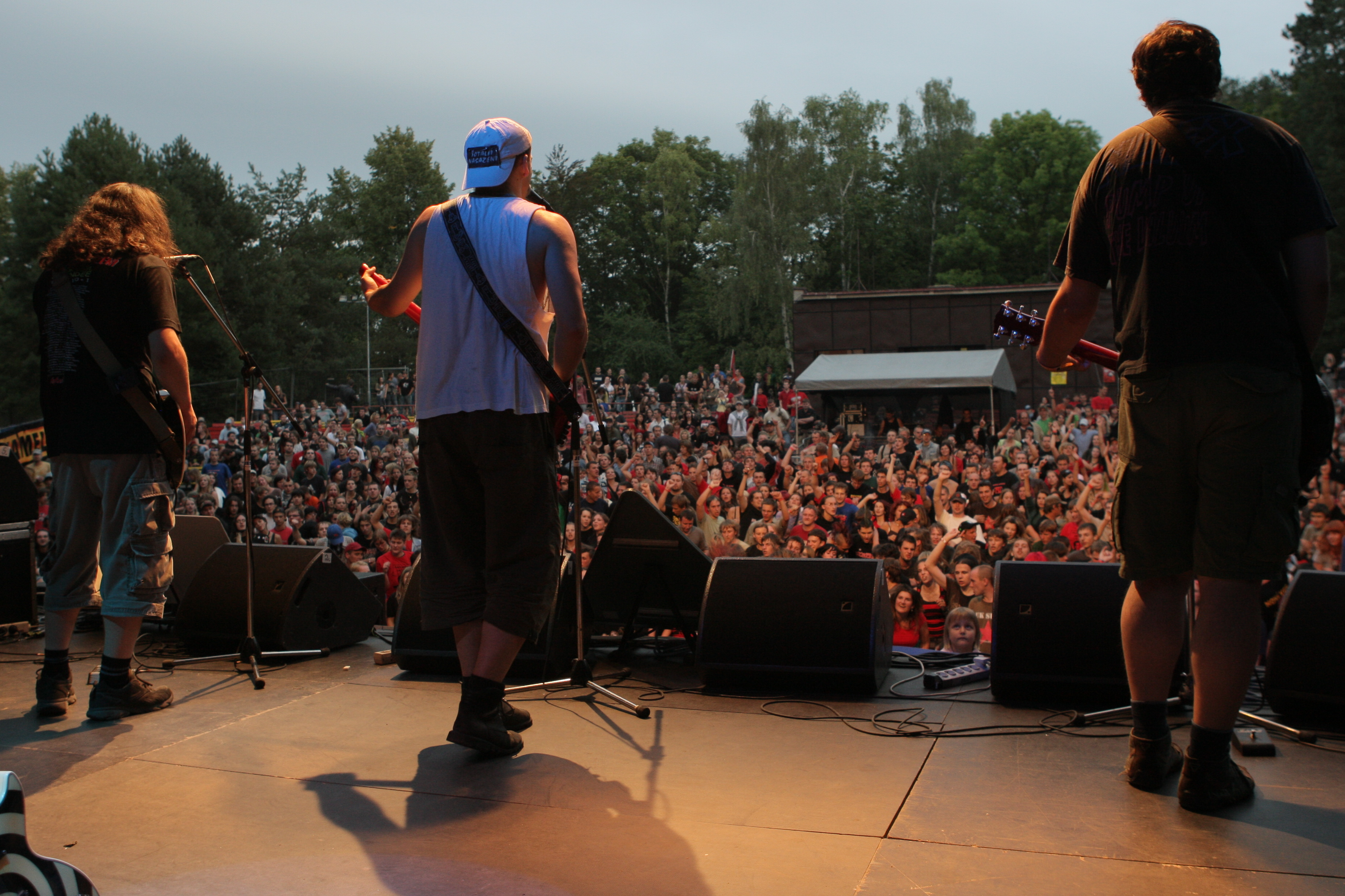 Valník oslaví 15. narozeniny s Wohnout, SPS, E!E a dalšími punks