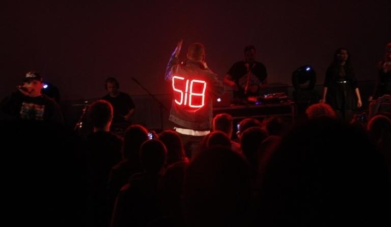 LIVE: Vladimir 518 udělal bordel na idiotské show