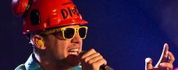 LIVE: Vojta Dyk s B-Side Bandem se nebojí zaříznout
