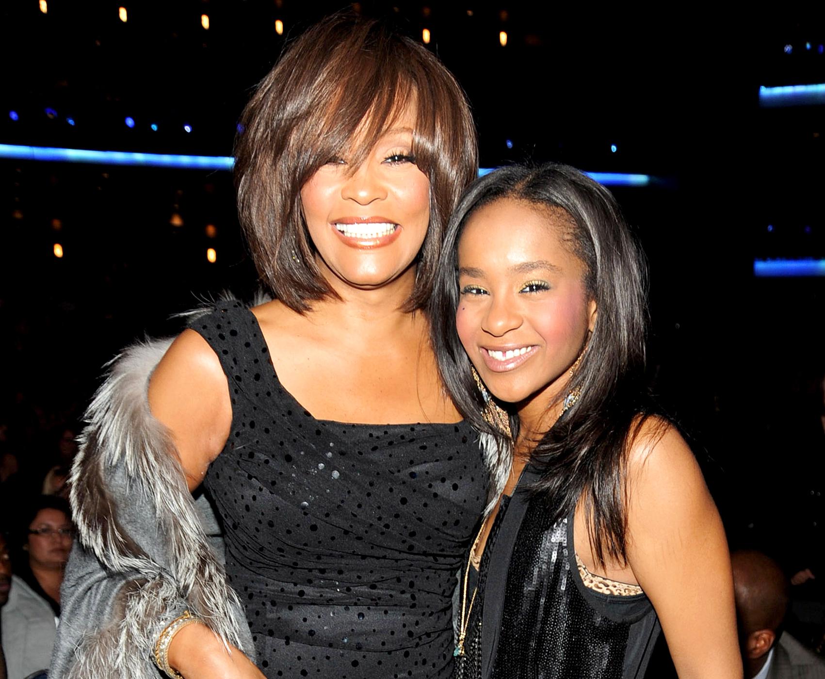 Zemřela Bobbi Kristina Brown, dcera Whitney Houston. Bylo jí jen 22 let