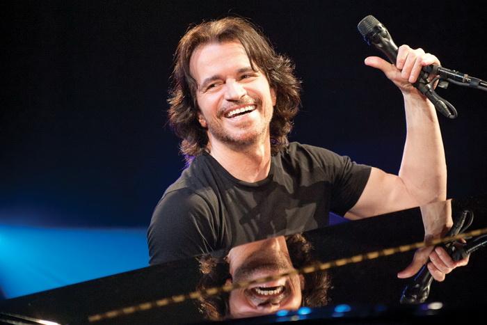 Yanni přiveze do Prahy nové album a muzikanty jedenácti národností