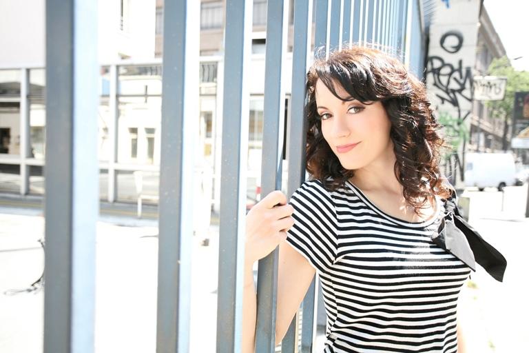 Kristyna Myles, objev BBC, zazpívá v Praze