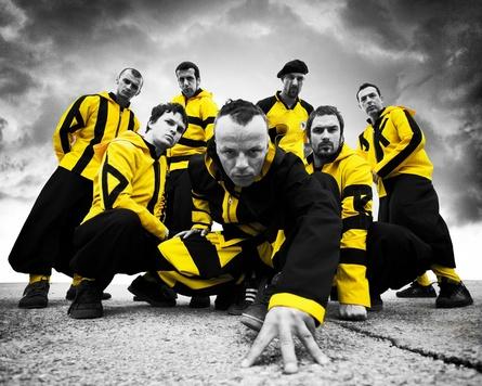 Hiphopový Dubioza Kolektiv v Praze