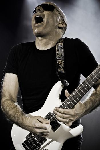 Joe Satriani: kytarový mág už zítra!