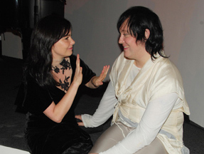 Antony nesnáší bootlegy. A zpívá s Björk.