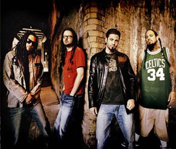 Zpěvák Korn: sólo!