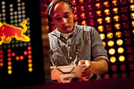 Každý bude DJ