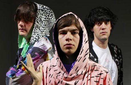 Klaxons nadělí nové album zadarmo