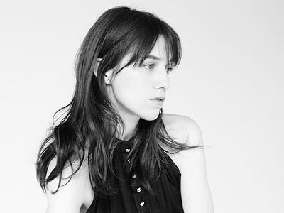 Beck pomohl Charlotte Gainsbourg