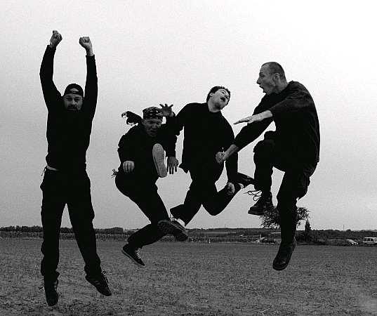 Slovenští punkeři HT jedou turné