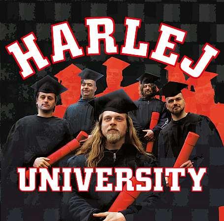Harlej se vracejí z university