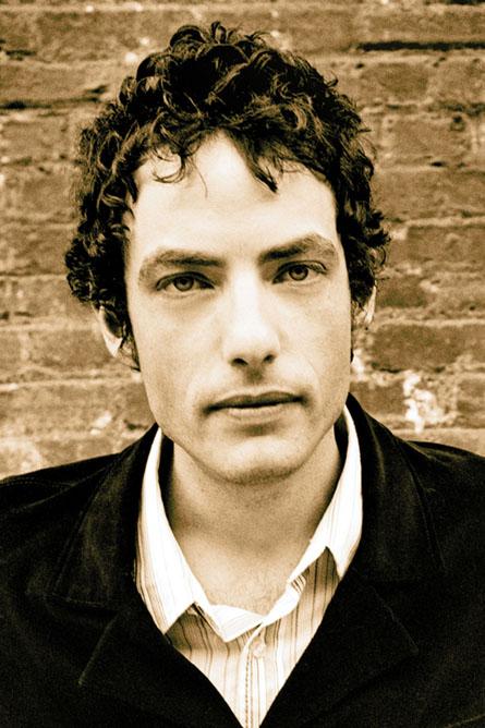 Jakob Dylan podléhá ženám