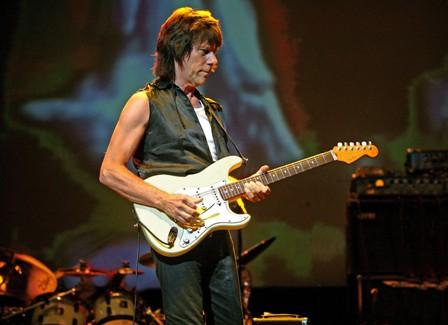 Jeff Beck servíruje orchestrální rock