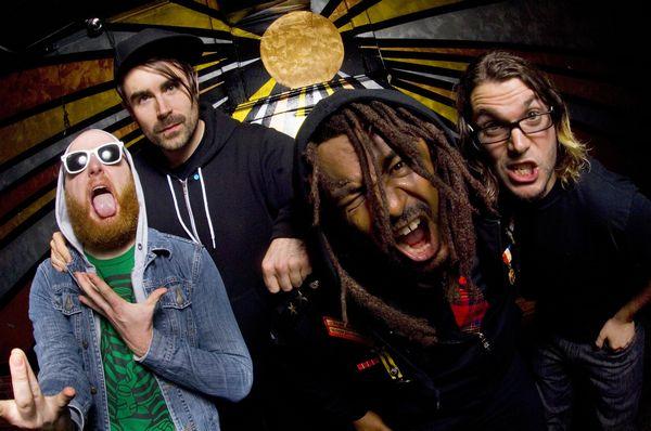 Skindred: reggae, jak ho neznáte