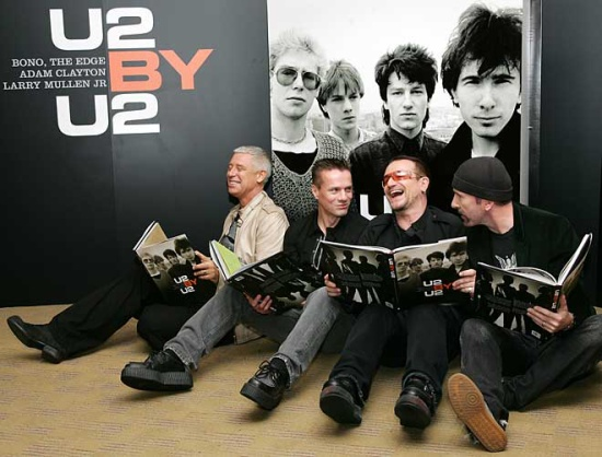 U2 znovu šustí papírem