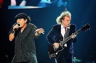 AC/DC se vrací do studia!